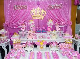 Decoración de baby shower con temática de princesa